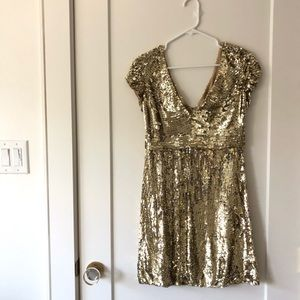 Dresses & Skirts - ‼️ONLY 8$‼️Glittery gold dress